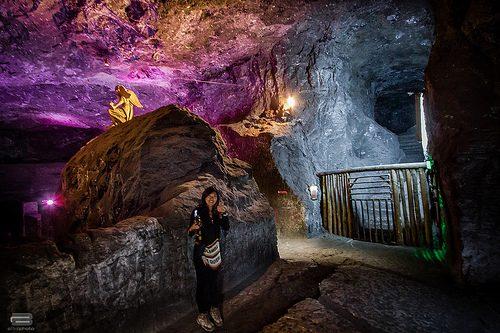 salt-mines-colombian-women-tour2