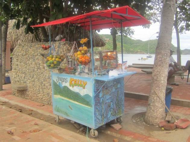 colombian-juice-stand