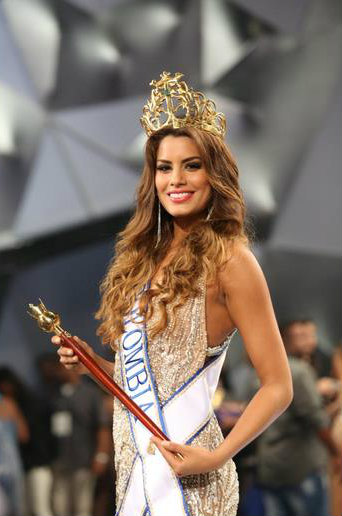 PAULINA VEGA FROM COLOMBIA WINS MISS UNIVERSE 2015 - www