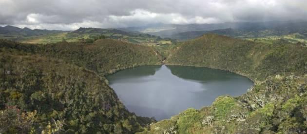 lagoon-colombia-travel
