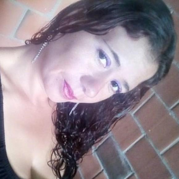 Profile picture of roxana