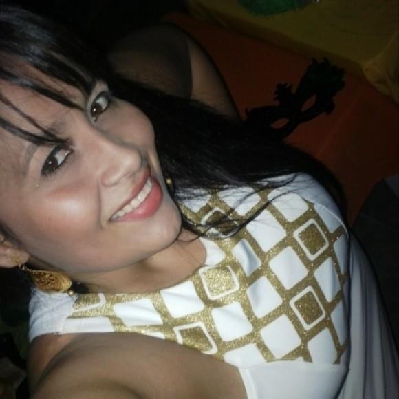 Profile picture of laura